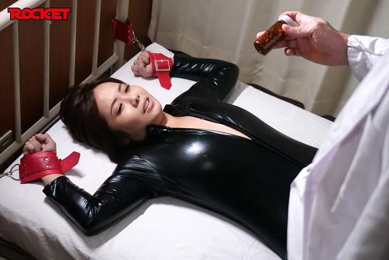 【赤瀬尚子エロ画像】愛嬌たっぷりムチムチ巨乳のアラサー人妻系・赤瀬尚子!