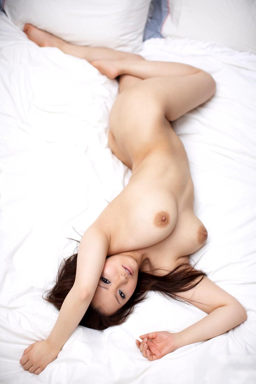 【腋フェチエロ画像】ここも恥ずかしい…ヌードのついでに生腋も見せる美女たち!