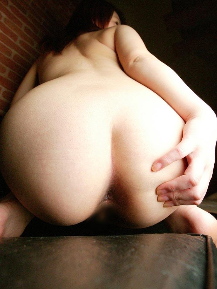 【アナルエロ画像】その穴は使用済で侵入可能?とても気になる淑女の尻穴!