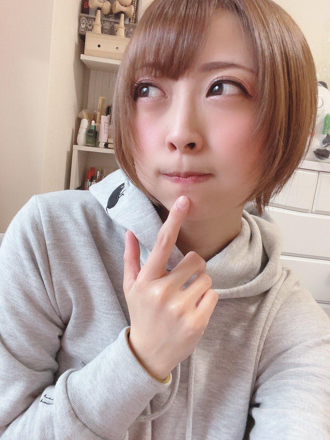 【優木なおエロ画像】アイドル出身なムチムチ巨乳のアラサー人妻系・優木なお!
