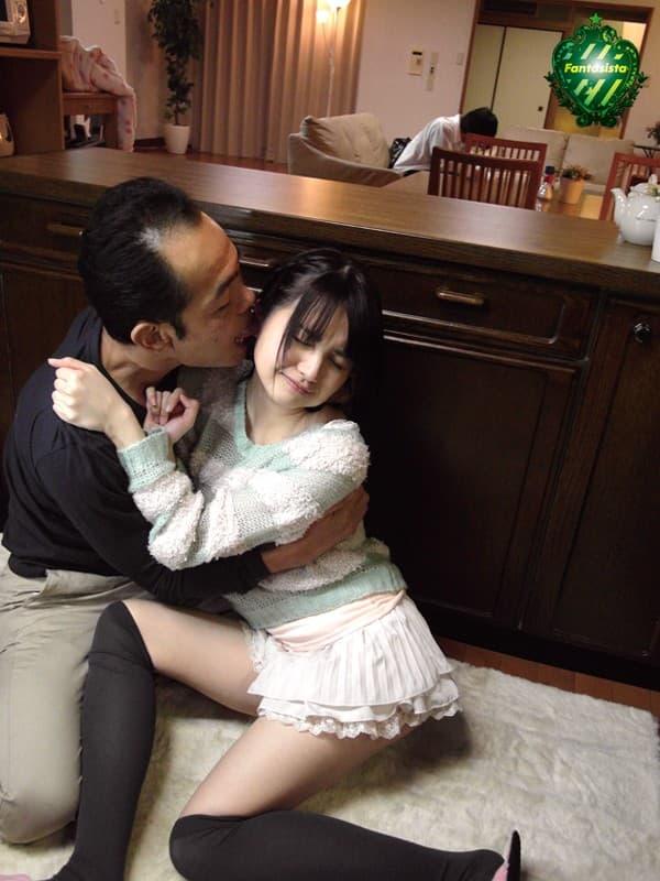 【愛内希エロ画像】可憐なロリ系で下は剛毛、清楚系美少女・愛内希!