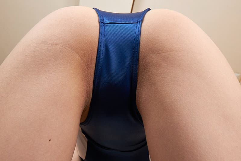 【水着エロ画像】そそられずにはいられないこのハミ出しっぷり!競泳水着女子の良いお尻