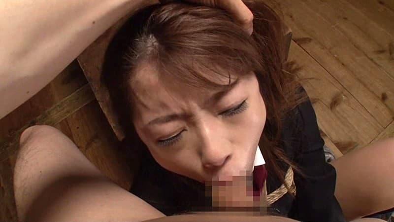 【口淫エロ画像】喉詰まっちゃう…女の子の口内責めるイラマチオ!