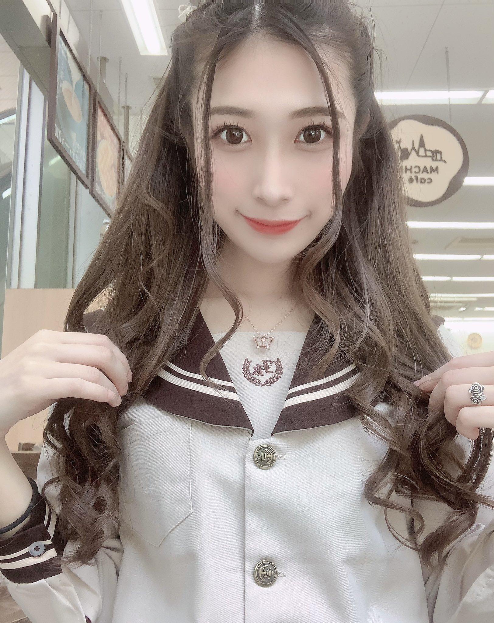 【中条鈴華エロ画像】マゾレベルがかなり高めな現役音大生・中条鈴華!