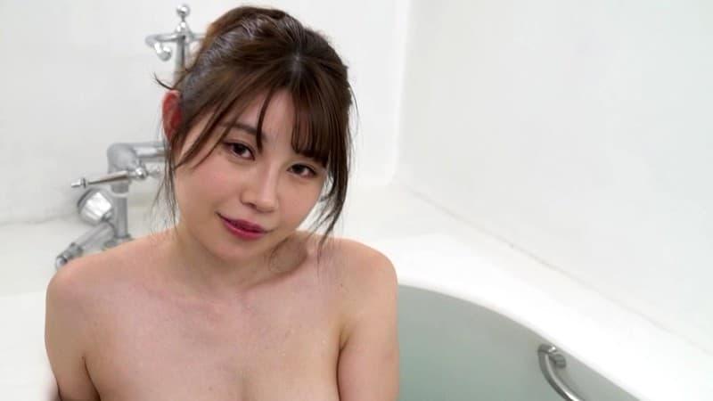 【二見れいエロ画像】とても小さい乳頭がそそる巨乳美女・二見れい!