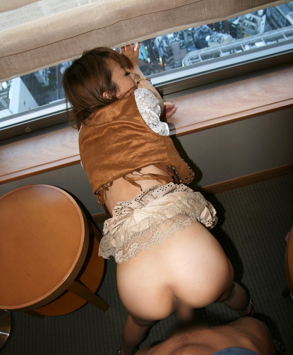 【性交エロ画像】着てるものが汗べったりになる…急ぐ人達の着衣セックス!
