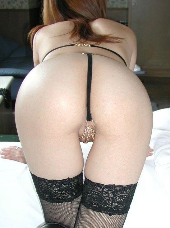 【美尻エロ画像】Tバック履いていても肉が下がってない素敵過ぎる極上尻の数々!