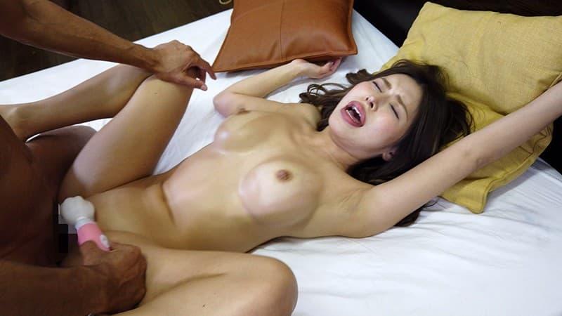 【REMIエロ画像】巨乳黒ギャル?いえ人妻な褐色美人・REMI!