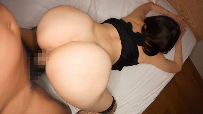 【性交エロ画像】指出したくなるように存在感が強い後背位中の尻穴鑑賞!