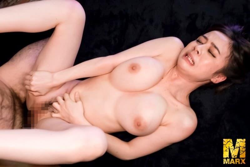 【性交エロ画像】美女と野…いや老獣!?盛る爺様のテクに翻弄される女の子!