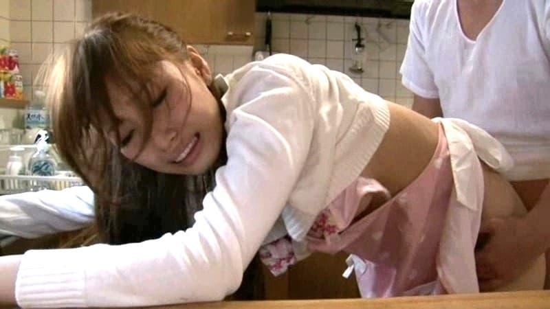 【綾瀬ティアラエロ画像】元アイドルな長身スリムボディ美女・綾瀬ティアラ!