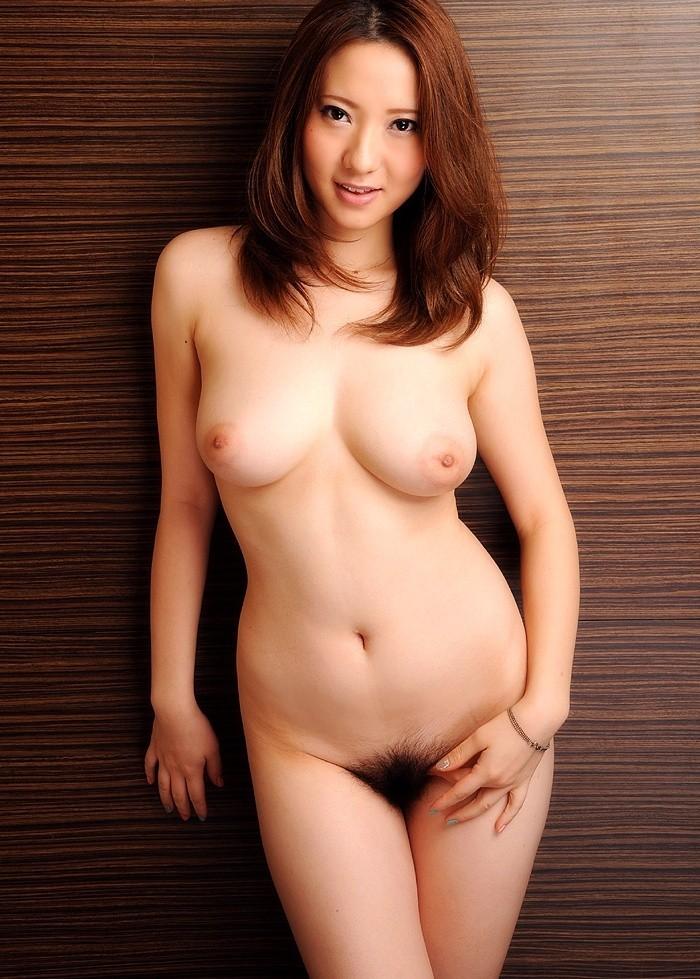 【股間エロ画像】尻の方までモジャモジャなのはお好き?見事に剛毛繁った美女たち!