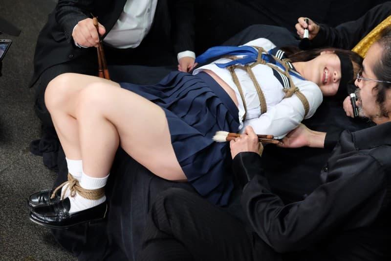 【制服エロ画像】一番JKとヤッているみたいな気分を堪能できるセーラー服プレイ!
