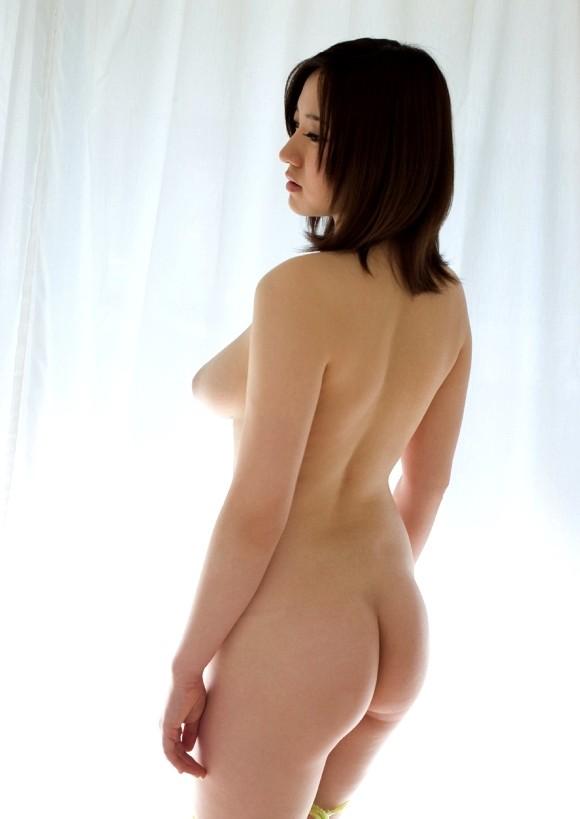 【美尻エロ画像】舐めておかなきゃと義務感を呼び起こしそうな極上ヒップ色々!