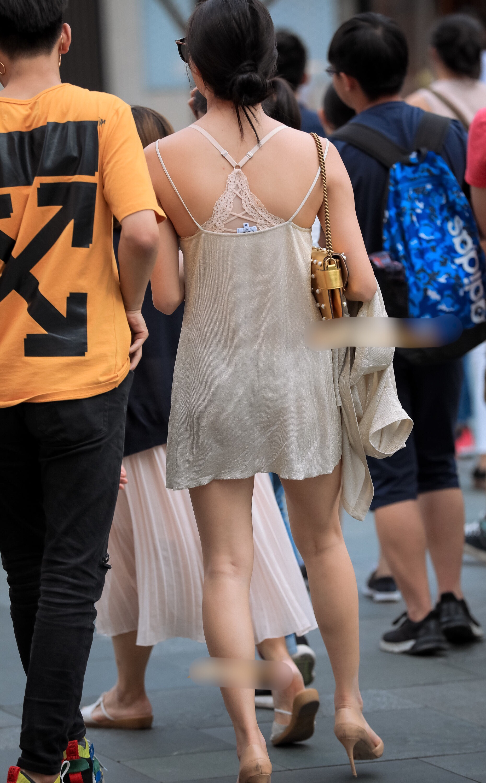 【美脚エロ画像】すれ違ったら振り返る!魅惑の街角ミニスカ美脚撮り!