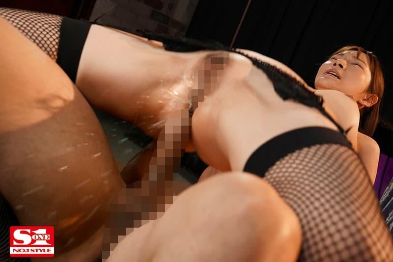 【はやのうたエロ画像】細身で巨乳で淫らに成長中な現役女子大生・はやのうた!