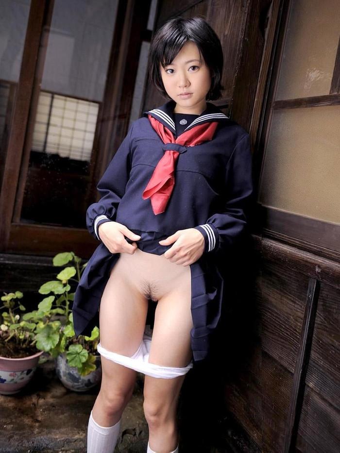 【制服コスプレエロ画像】思わず下半身に力が入るJKコスプレしている女の子たちの画像 26