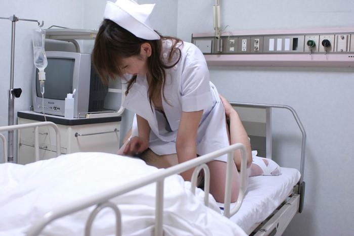 【ナースエロ画像】ワイ、こんなナースのいる病院なら入院しても文句はない!