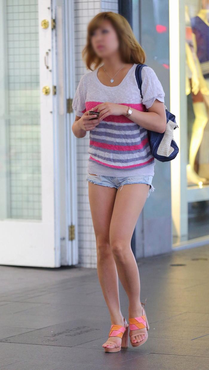 【ホットパンツエロ画像】改めてホットパンツの女の子ってエロいと思うんだ! 12