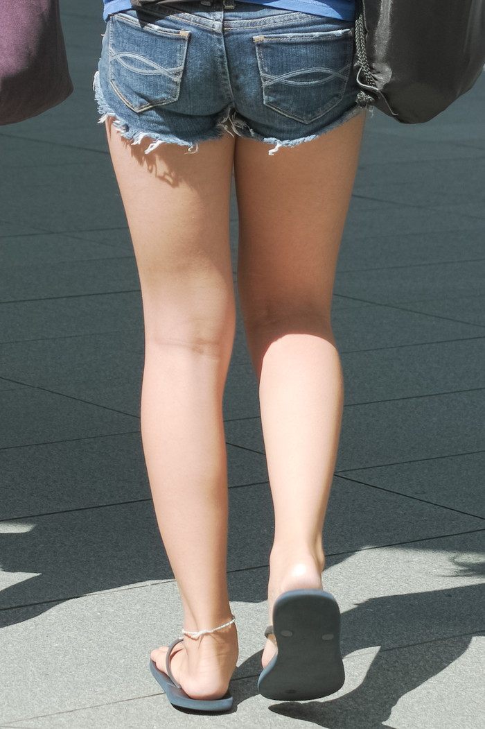 【ホットパンツエロ画像】改めてホットパンツの女の子ってエロいと思うんだ! 14