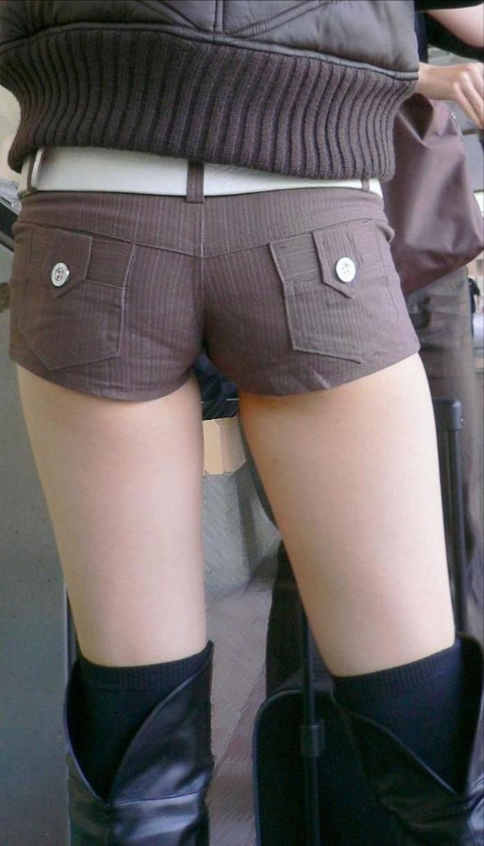 【ホットパンツエロ画像】改めてホットパンツの女の子ってエロいと思うんだ! 15