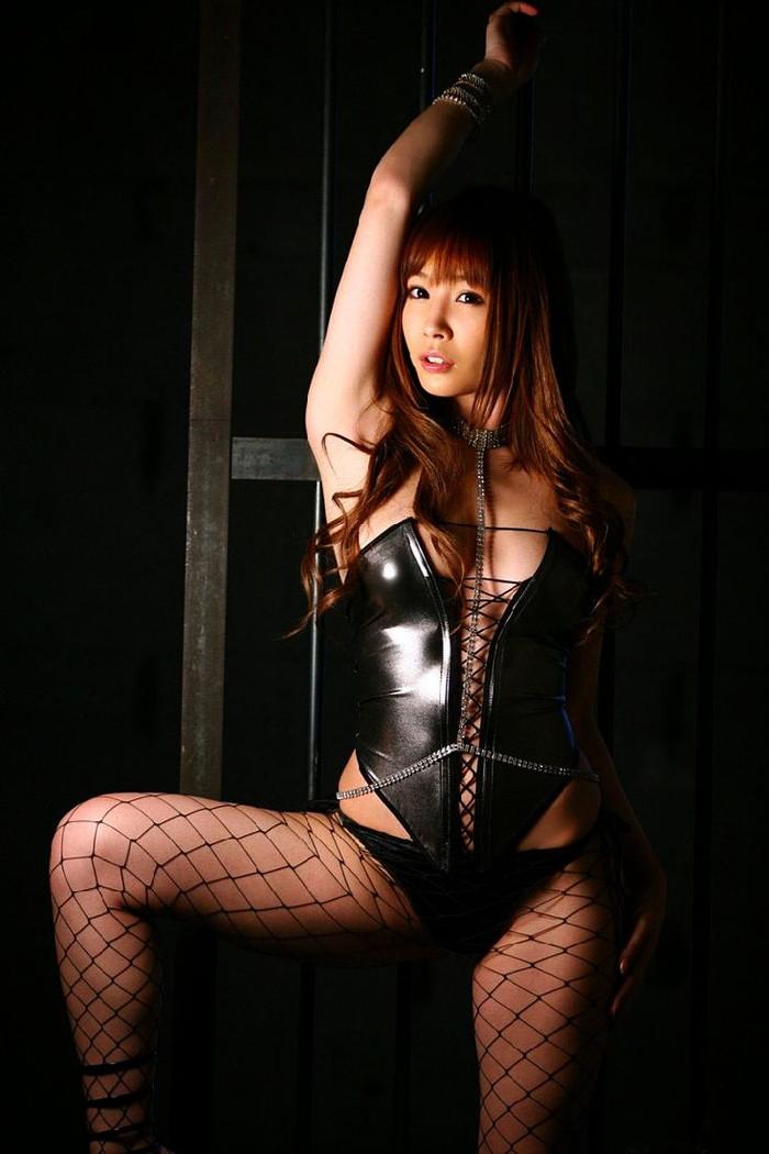 【ボンテージエロ画像】M男クンには堪らないファッション!?ボンテージ特集www 20