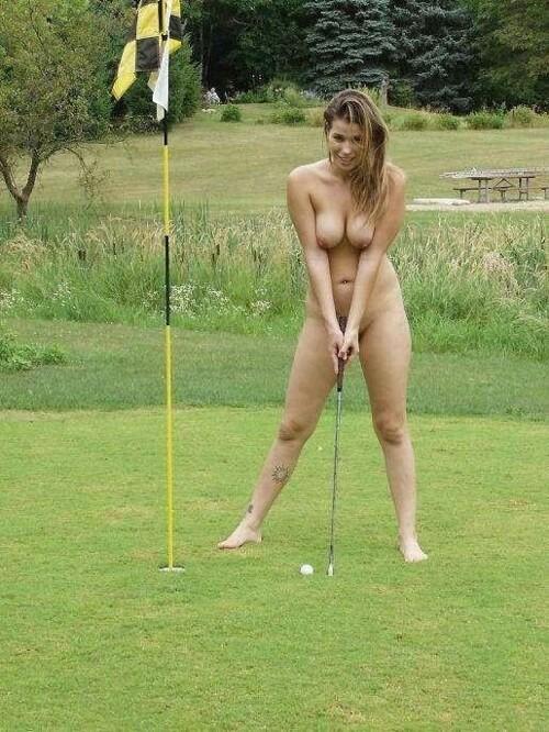 【全裸スポーツエロ画像】正気か!?全裸でスポーツをする女の子たち!www 10