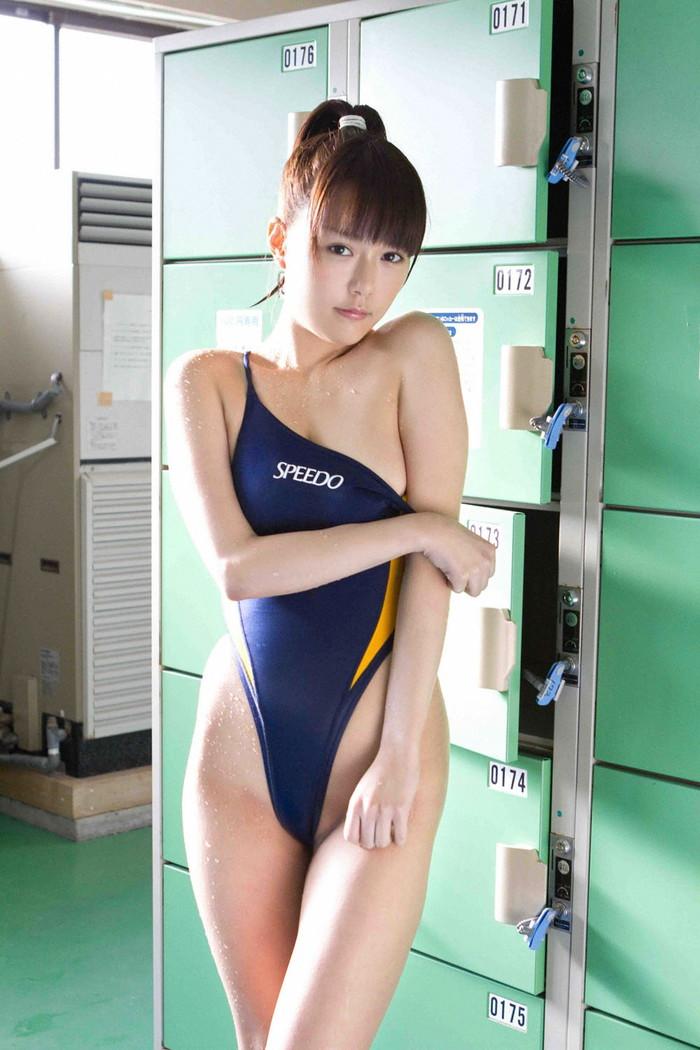 【競泳水着エロ画像】思った以上にエロい競泳水着にフル勃起不可避! 11