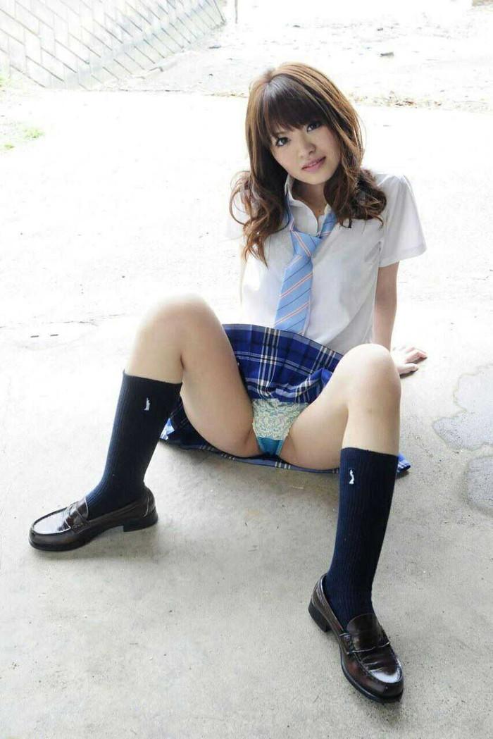 【制服コスプレエロ画像】コスプレといえども現役で通用しそうなJKコスプレの女の子! 12