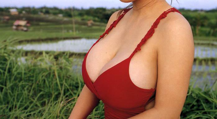 【着衣おっぱいエロ画像】着衣を着ていてもアピール絶大な着衣巨乳のまんさんw