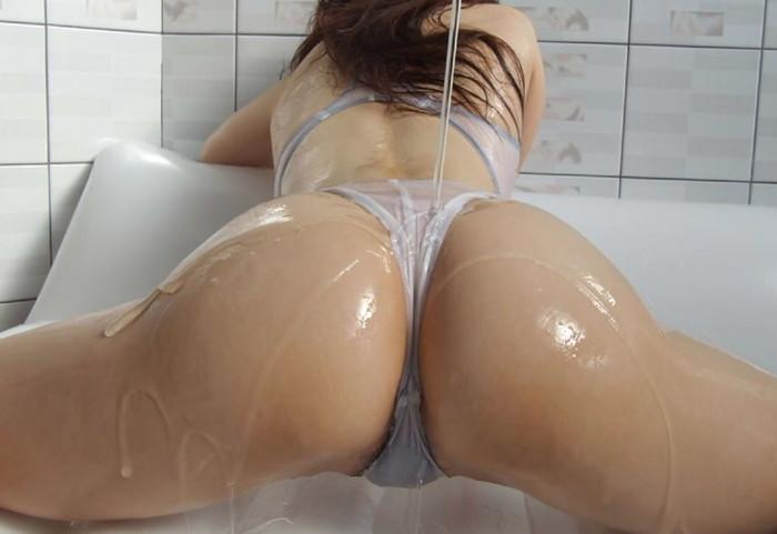 【ローションエロ画像】ローションでヌルテカになった女の子の裸って妙に勃起するw 02