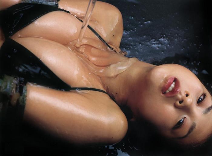 【ローションエロ画像】ローションでヌルテカになった女の子の裸って妙に勃起するw 05