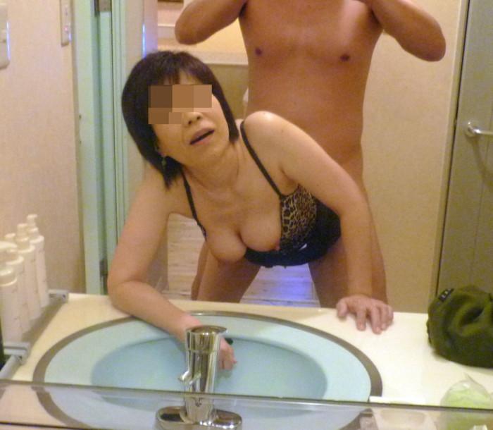 【カップル鏡撮りエロ画像】鏡を利用したカップルたちのセックス記録www 12