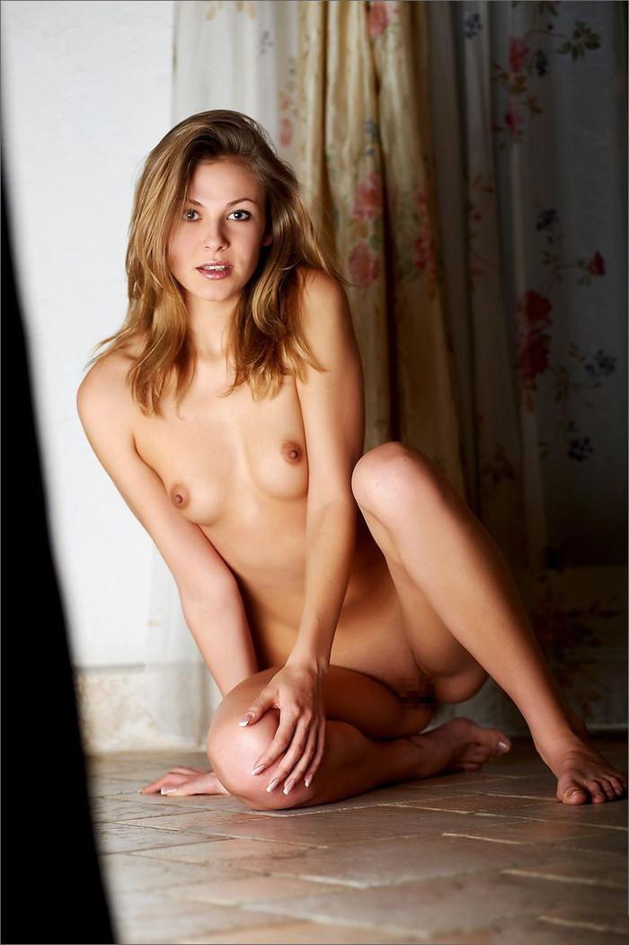 【海外ちっぱいエロ画像】巨乳じゃなくてもこんなちっぱいなら大歓迎www 17