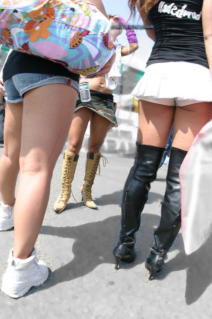 【ホットパンツエロ画像】街中でよく見かけるホットパンツもこうしてみるとエロいな! 08