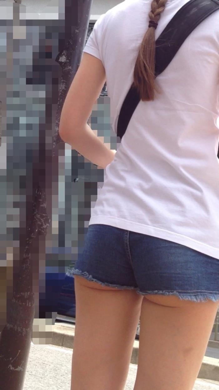 【ホットパンツエロ画像】街中でよく見かけるホットパンツもこうしてみるとエロいな! 21