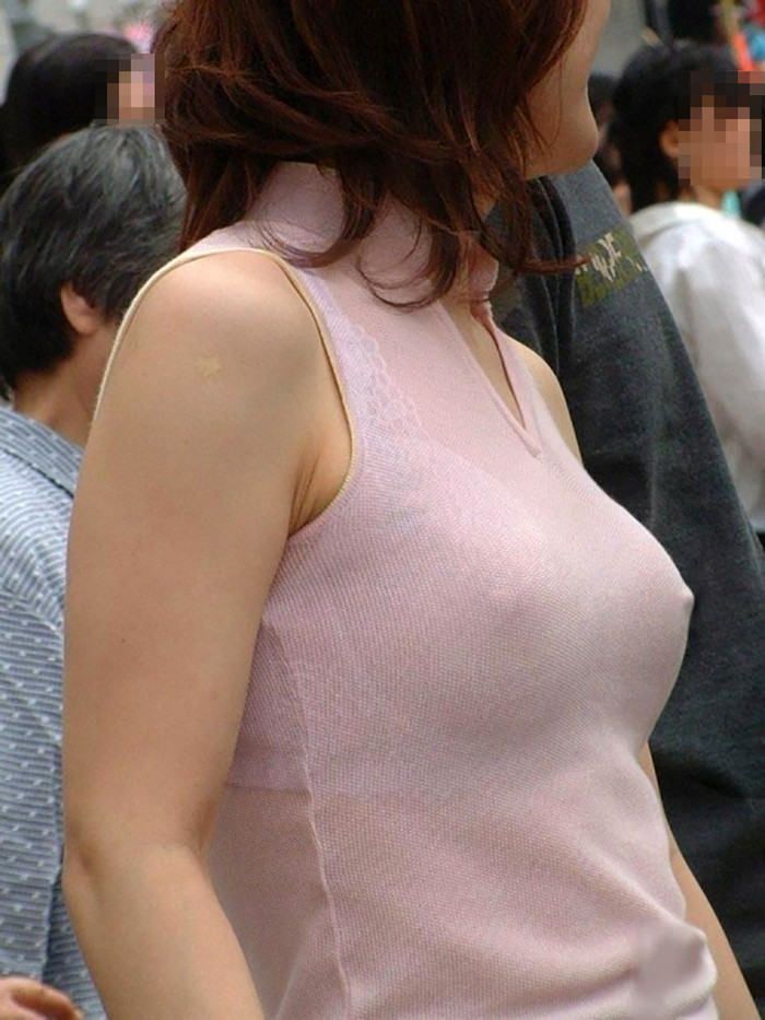 【胸ポチエロ画像】故意か不本意は置いておいて、胸ポチしている女の子の画像集めたったww 02