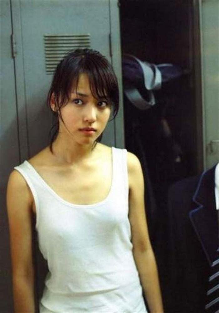 【胸ポチエロ画像】故意か不本意は置いておいて、胸ポチしている女の子の画像集めたったww 20