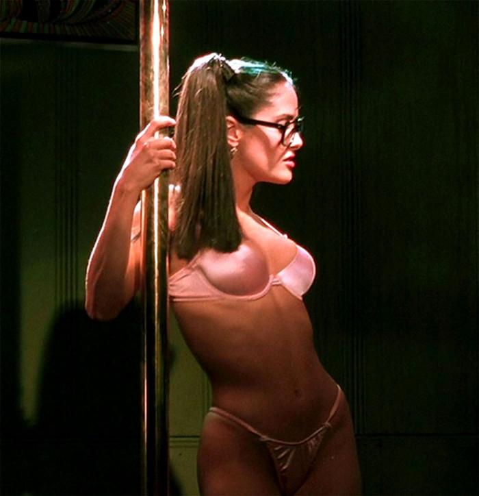 【海外ストリッパーエロ画像】大胆に観衆の前で全裸になる海外ストリッパー! 11