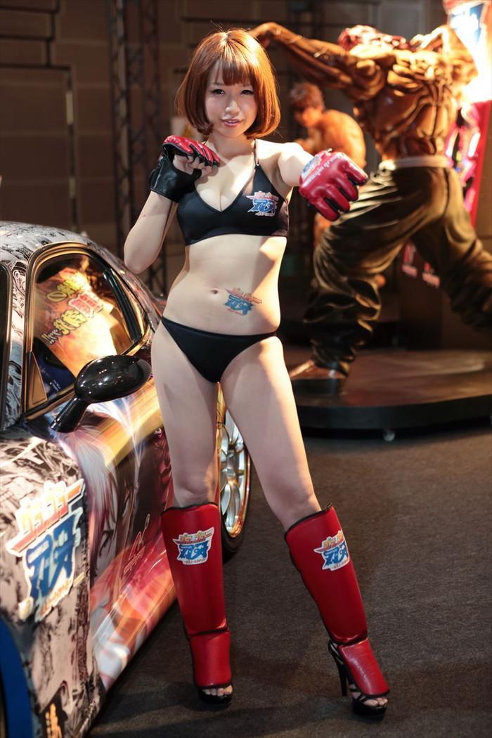 【オートサロンエロ画像】オートサロンで見つけたエロ衣装のキャンギャルにフル勃起! 21