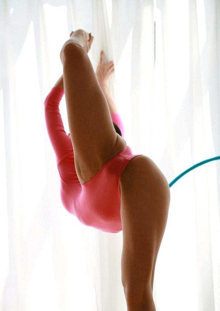【軟体エロ画像】軟体女たちの卑猥すぎる体位でのエロ画像をお楽しみくださいw 19