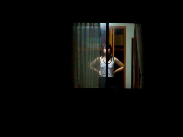 【民家盗撮エロ画像】民家をカメラで狙ってみたらラッキーな光景に出会えたw 22