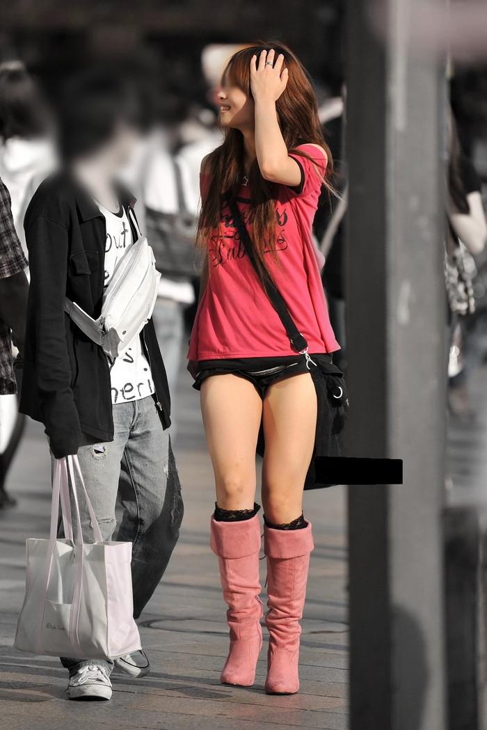 【ホットパンツエロ画像】こんなホットパンツの女見かけたら余裕で抜けるんだが!? 10