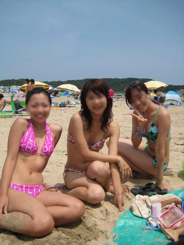 【水着ハプニングエロ画像】夏の水着の女の子には是非ともこういうハプニングが欲しいww 01