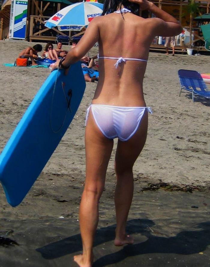 【水着ハプニングエロ画像】夏の水着の女の子には是非ともこういうハプニングが欲しいww 20