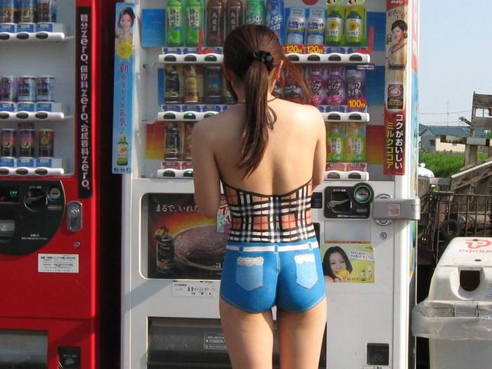 【ボディーペイントエロ画像】実は全裸!?裸よりもエロいボディーペイント! 10