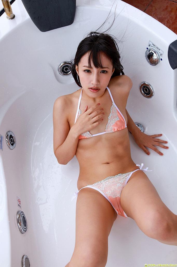【マンスジエロ画像】食い込む股間!浮かび上がるマンスジ!勃起不可避! 19