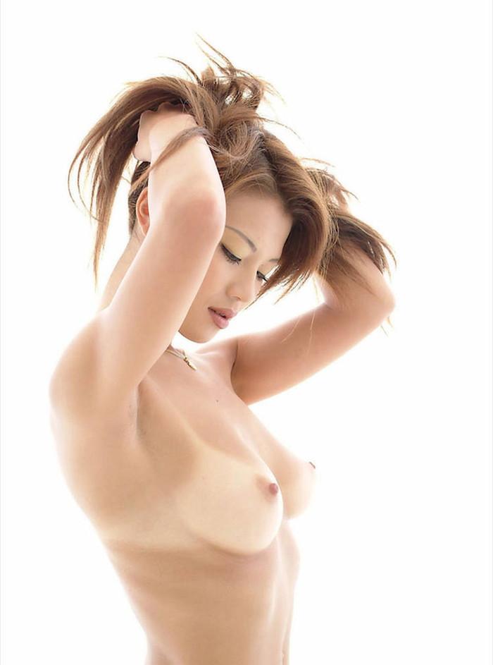 【日焼け跡エロ画像】ワイ!日焼け跡の残る女の子たちの肌に感動したwww 15