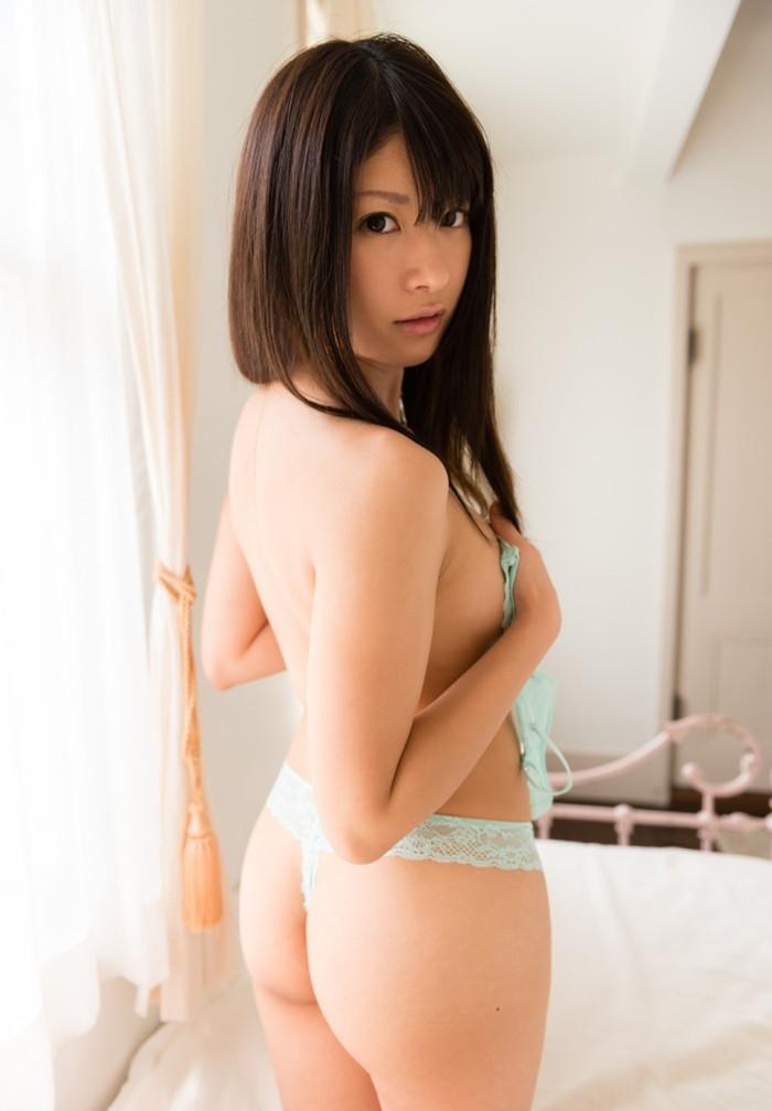 【Tバックエロ画像】美しくセクシー!Tバックパンティーのお尻が魅力的! 22