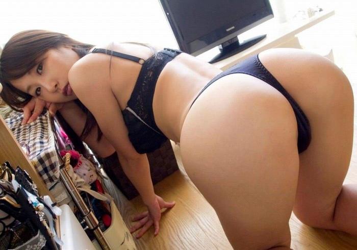 【Tバックエロ画像】美しくセクシー!Tバックパンティーのお尻が魅力的! 25